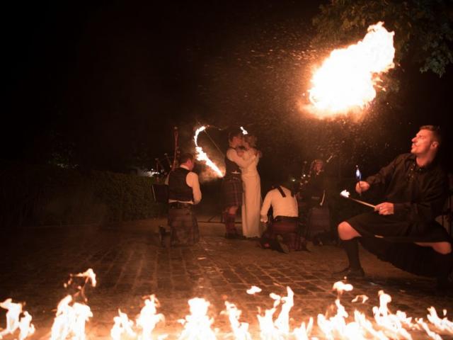 celtif-fire-show-door-jaguna